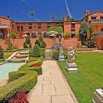5. Sur les hauteurs de Beverly Hills, Hearst Mansion a appartenu au magnat de la presse William Randolph Hearst, avant de passer entre les mains de l'avocat et investisseur Leonard Ross. Valeur du bien: 165 millions de dollars.